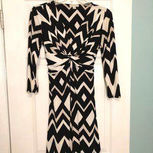 NY& CO - Geometric Patterened Jersey Dress